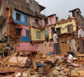 Schulen und ein Krankenhaus für Nepals Erdbebengebiet