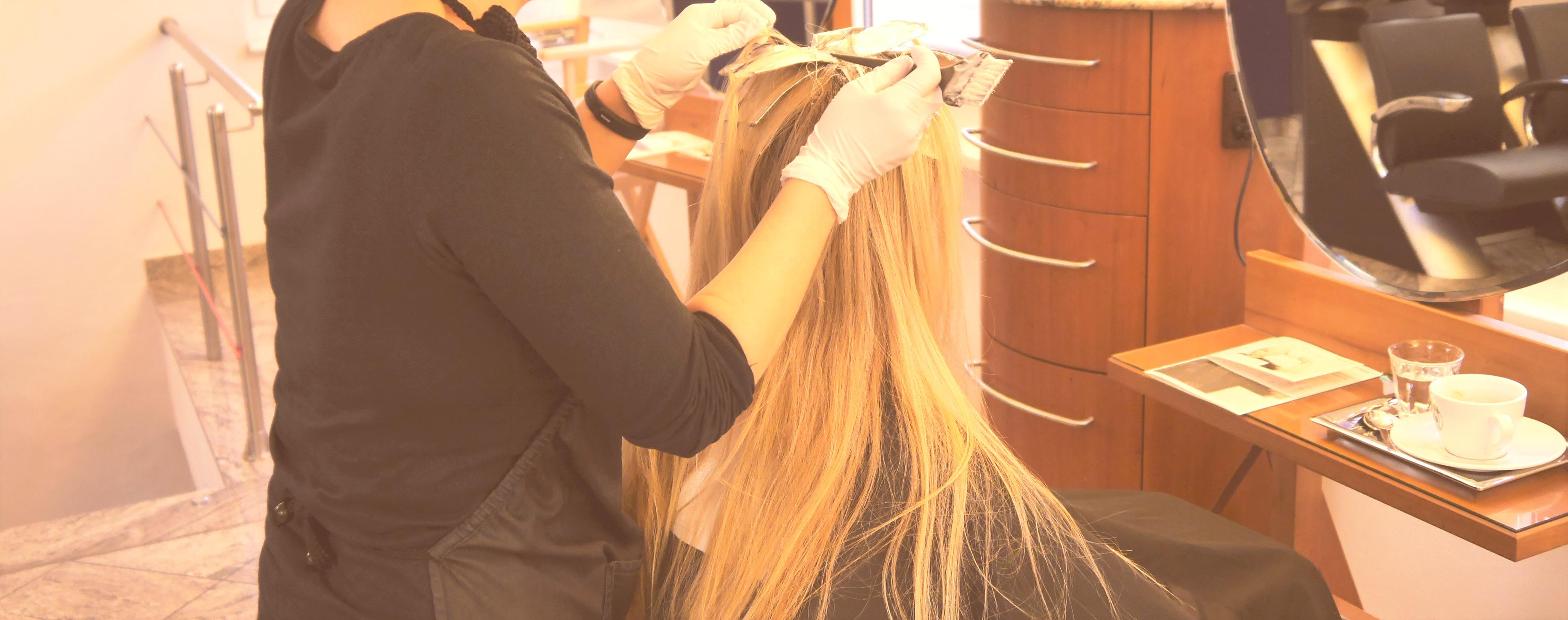 Wie wir Haare gesund tönen