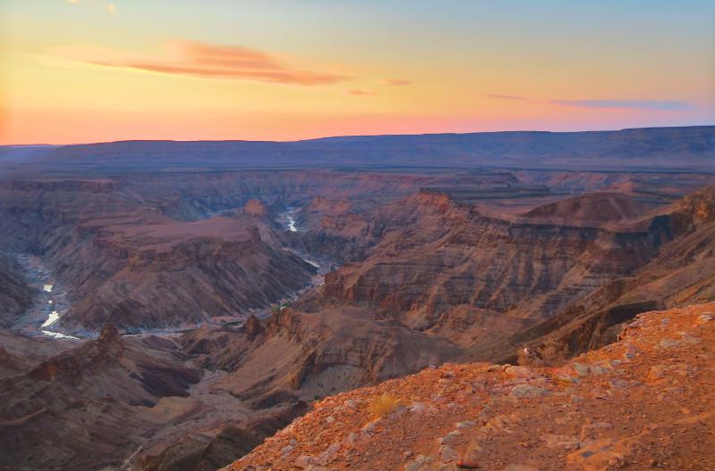 Blick auf den Fish River Canyon bei Sonnenuntergang
