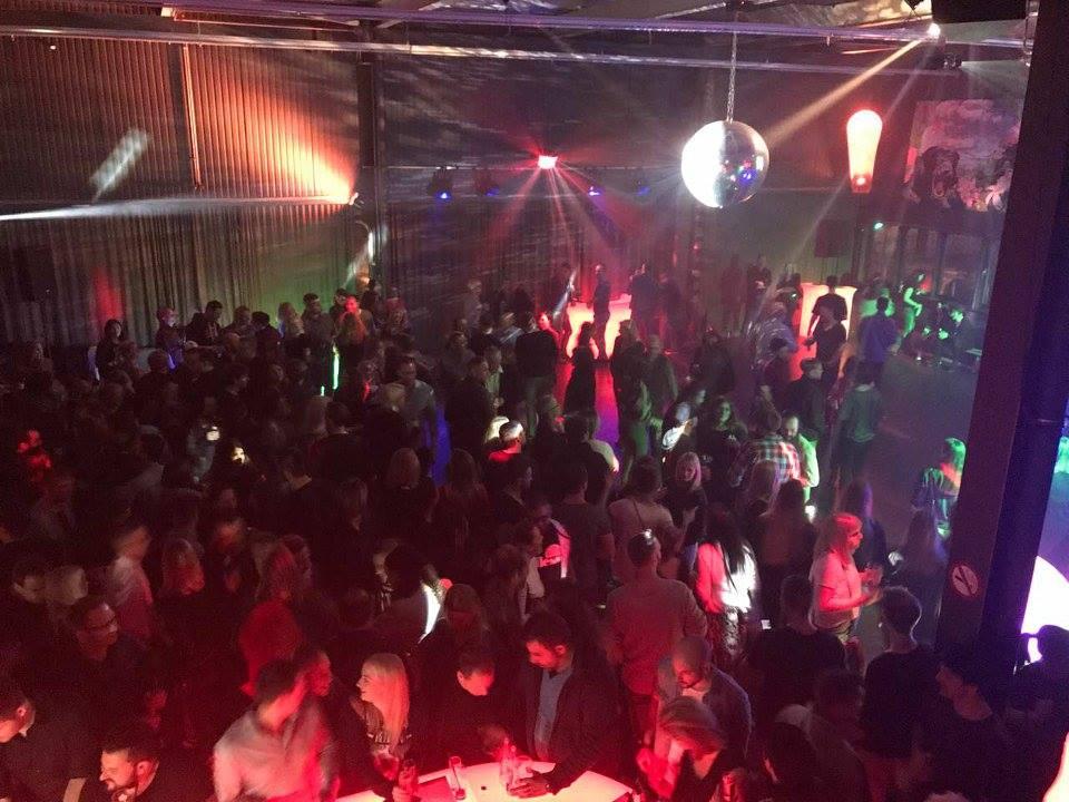 Die DEJA-VU Party und der gute Zweck
