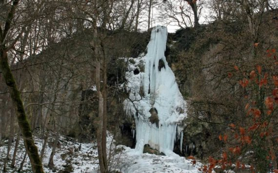 Im Reich der Eiskönigin – Uracher Wasserfall und Brühlbachtal