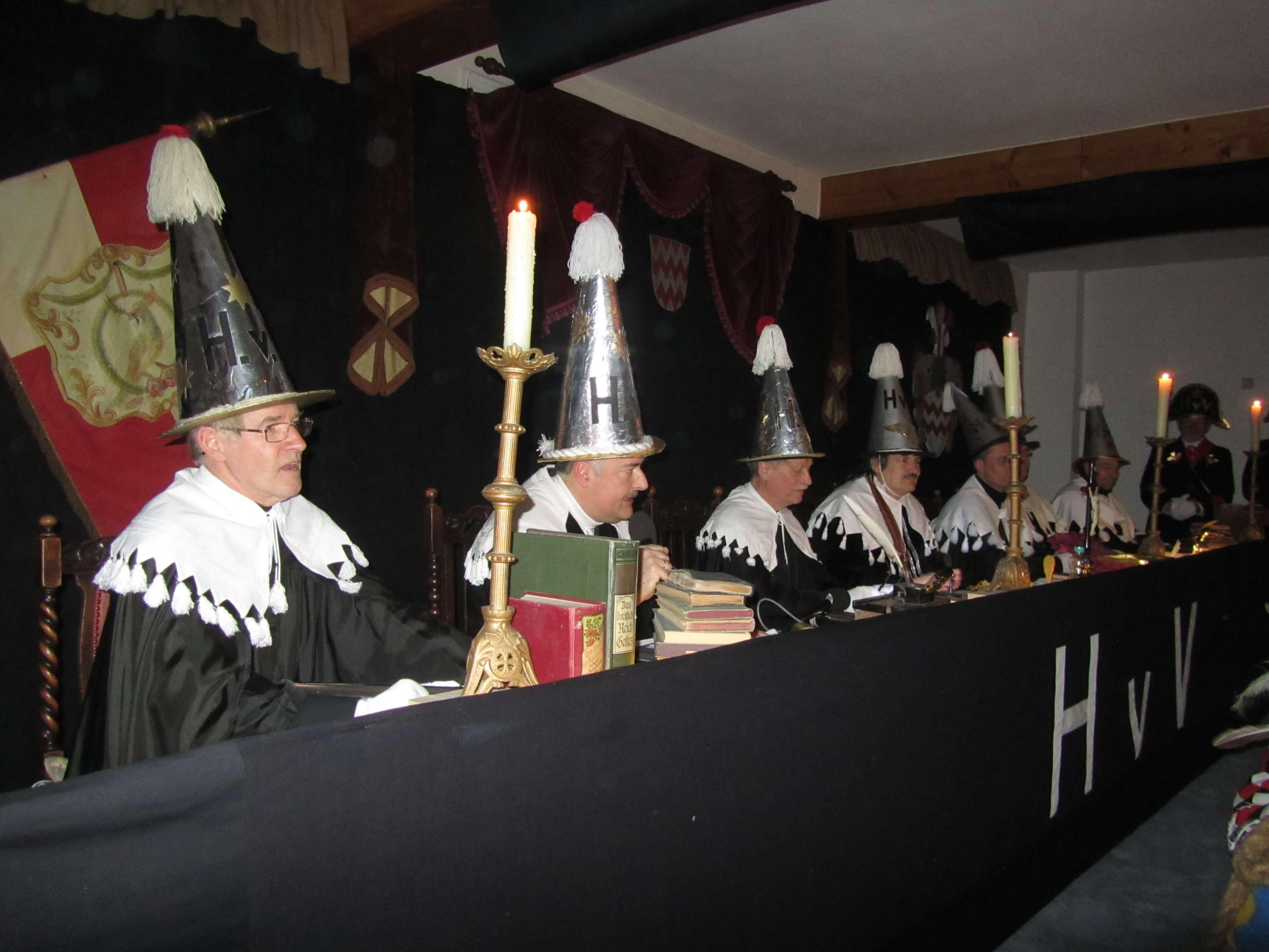 Sieben Gründe, beim Narrengericht Grosselfingen zuzuschauen
