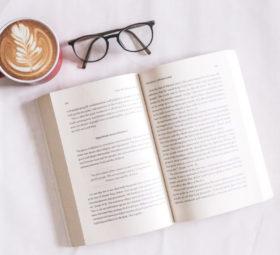 Lies-ein-Buch-Tag: die Lieblingsbücher des #imländle-Teams