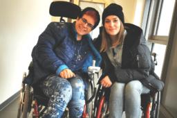 Ausgeliefert im Rollstuhl